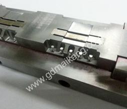 自动插针机(自动排模机)